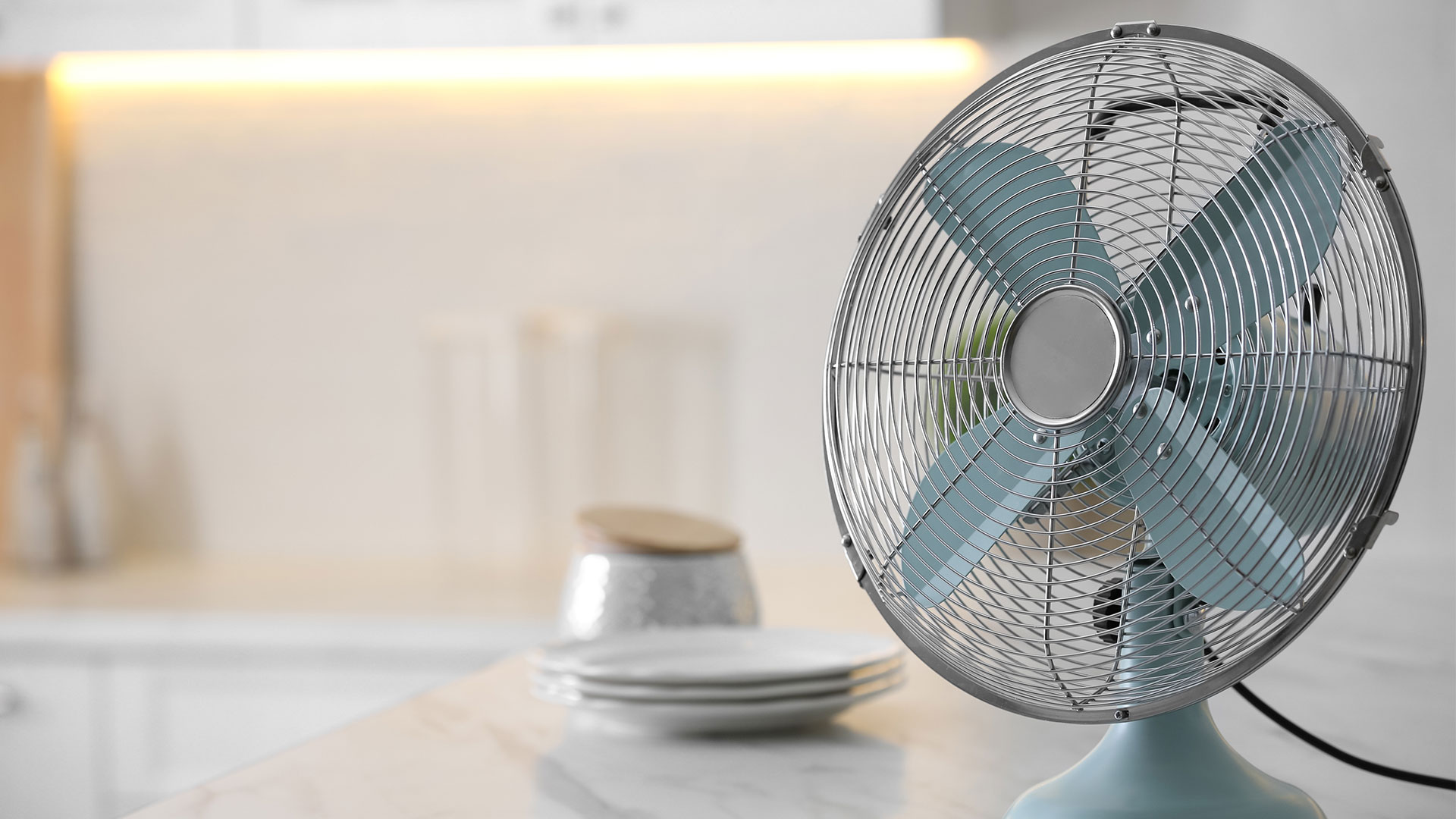 扇風機とサーキュレーターの違いは?利用目的が異なる